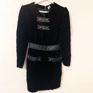 VALENTINO Miss V Vintage Velvet Black Dress 40/8